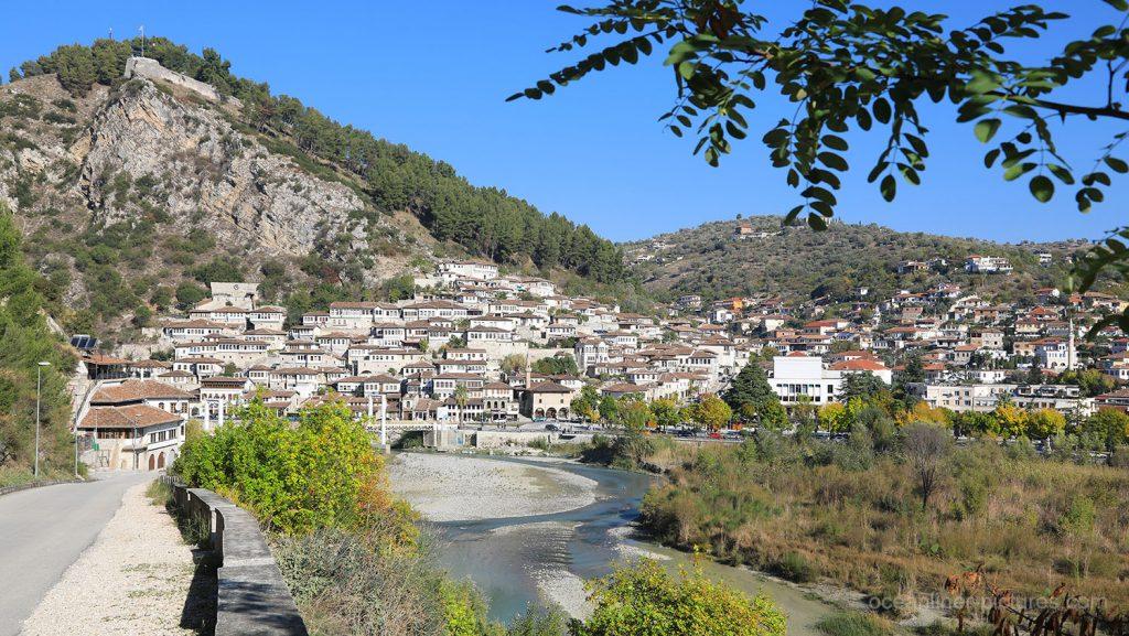 Berat, Unesco Stadt der tausend Fenster, Albanien. / Foto: Oliver Asmussen/oceanliner-pictures.com