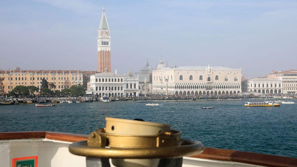 Blick auf Markusplatz und Campanile in Venedig. / Foto: Oliver Asmussen/oceanliner-pictures.com
