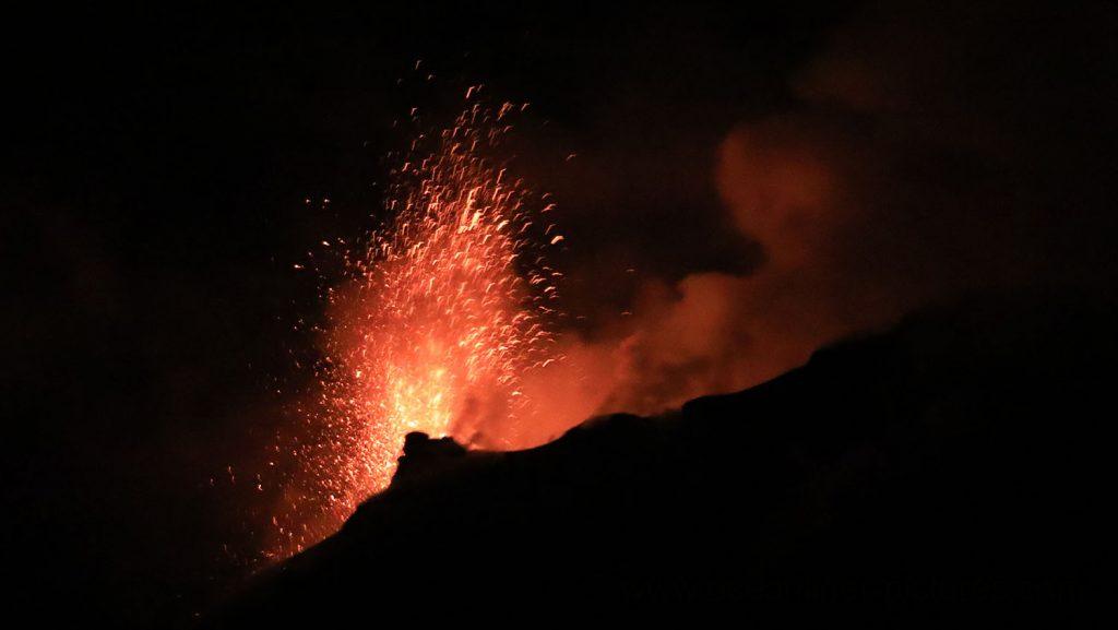 Eruption am Stromboli Vulkan. / Foto: Oliver Asmussen/oceanliner-pictures.com