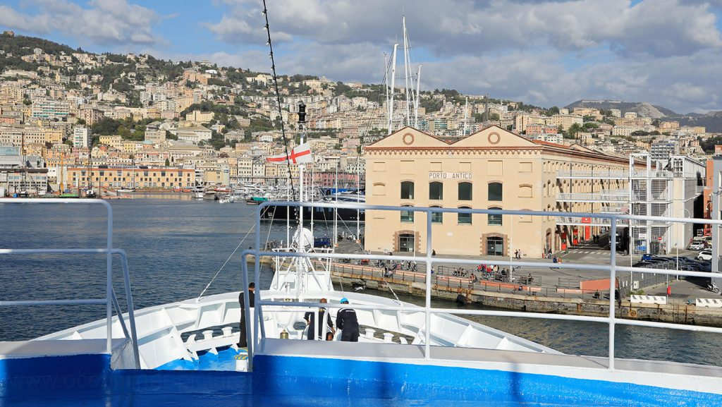MS Ocean Majesty Abfahrt Genua. / Foto: Oliver Asmussen/oceanliner-pictures.com