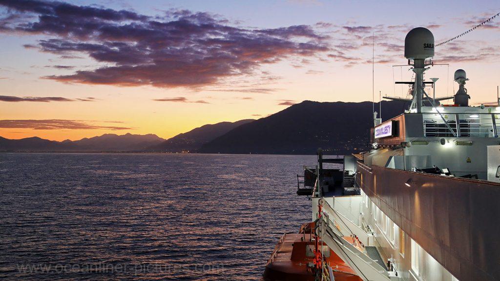 Morgendämmerung an der Amalfiküste bei Sorrent. / Foto: Oliver Asmussen/oceanliner-pictures.com