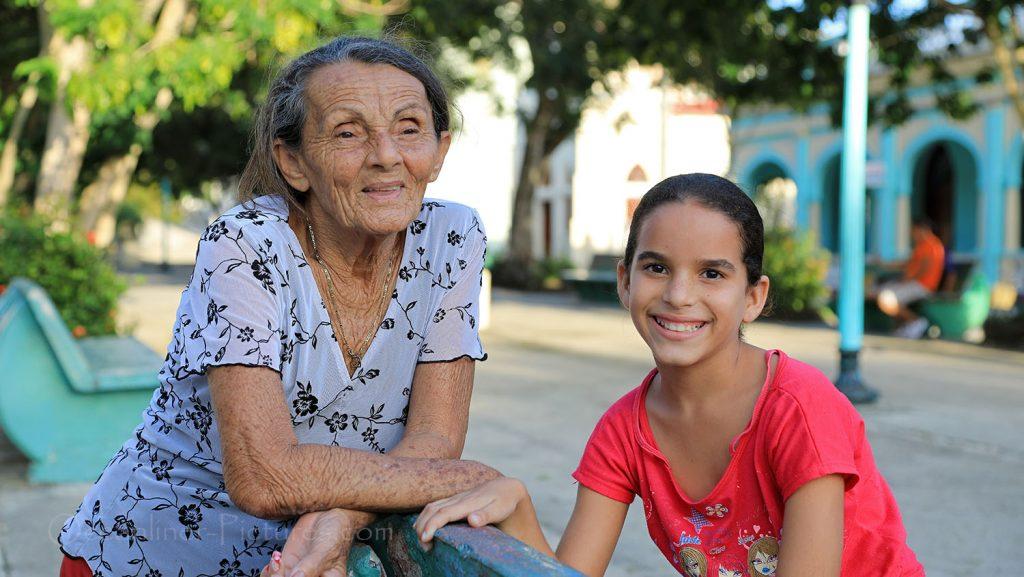 Familiengenerationen in Antilla, Kuba. / Foto: Oliver Asmussen/oceanliner-pictures.com