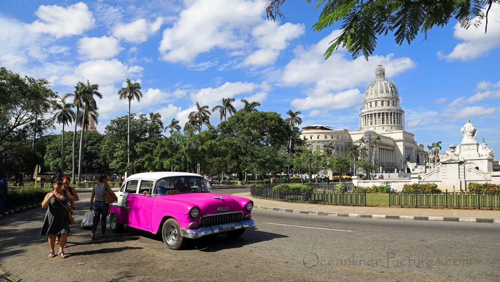 Kapitol in Havanna mit Oldtimer. / Foto: Oliver Asmussen/oceanliner-pictures.com
