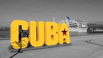 MS Hamburg in Santiago de Cuba Titel. / Foto: Oliver Asmussen/oceanliner-pictures.com
