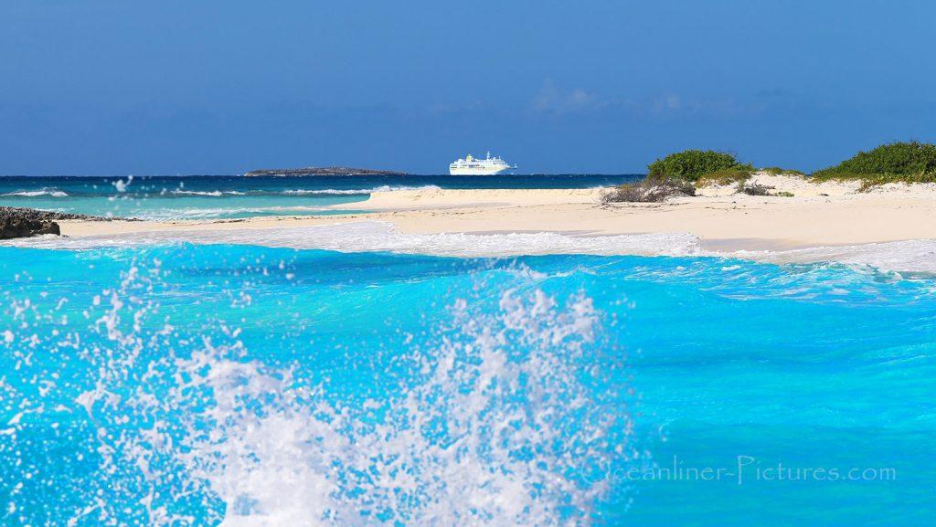 MS Hamburg vor Cayo Largo, Kuba. / Foto: Oliver Asmussen/oceanliner-pictures.com