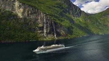 Die Norwegian Jade bietet im Sommer zwei weitere Routen ab Hamburg an. Foto: Norwegian Cruise Line