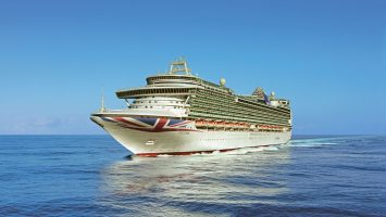 Neben der Ventura kreuzt auch die Azura von P&O Cruises in diesem Sommer im hohen Norden. Foto: P&O Cruises