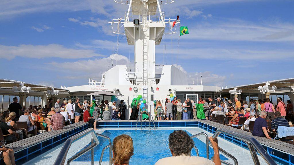 Die Äquatortaufe MS Hamburg bei Macapa. / Foto: Oliver Asmussen/oceanliner-pictures.com