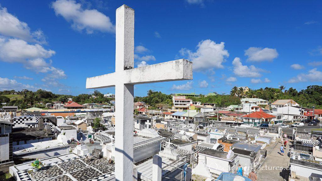 Friedhof bei Morne-A-Leau, Guadeloupe. / Foto: Oliver Asmussen/oceanliner-pictures.com