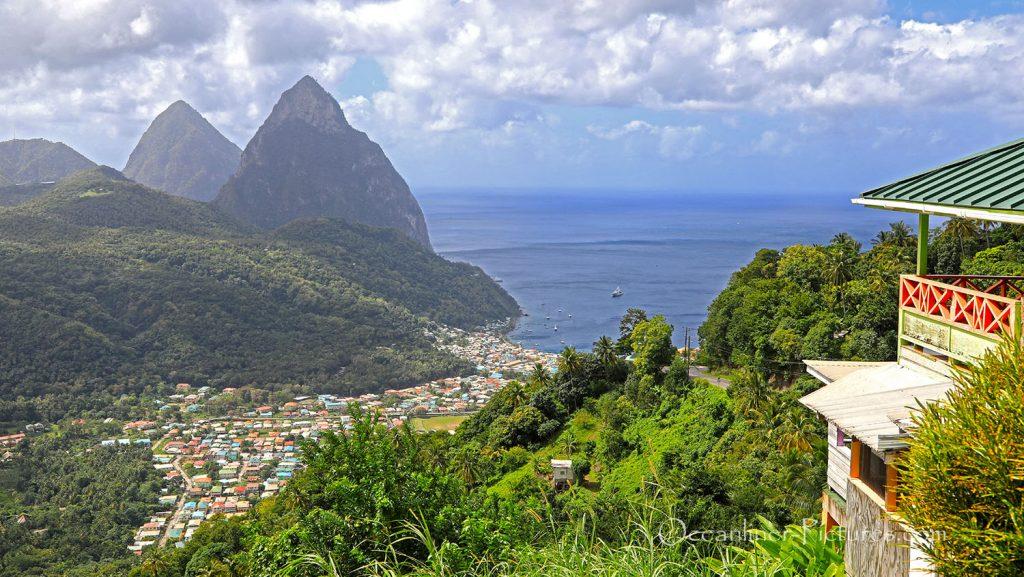 Gros Pyton und Petit Pyton, St. Lucia mit Soufriere. / Foto: Oliver Asmussen/oceanliner-pictures.com