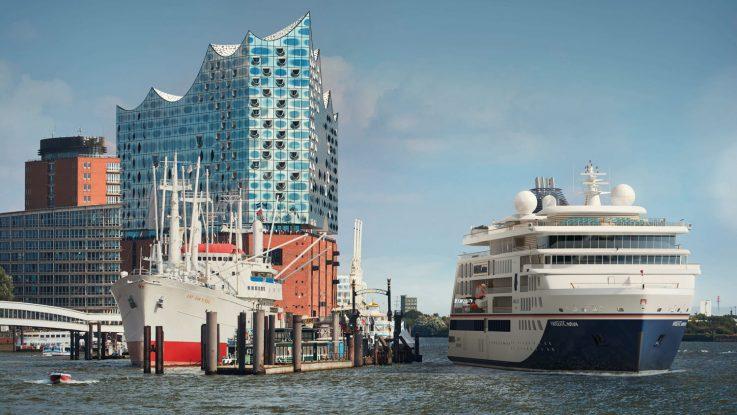 Die Hanseatic nature wird in Hamburg getauft. Foto: Hapag Lloyd Cruises