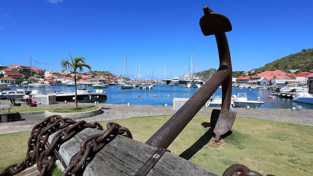 Im Hafen Gustavia, St. Barth. / Foto: Oliver Asmussen/oceanliner-pictures.com