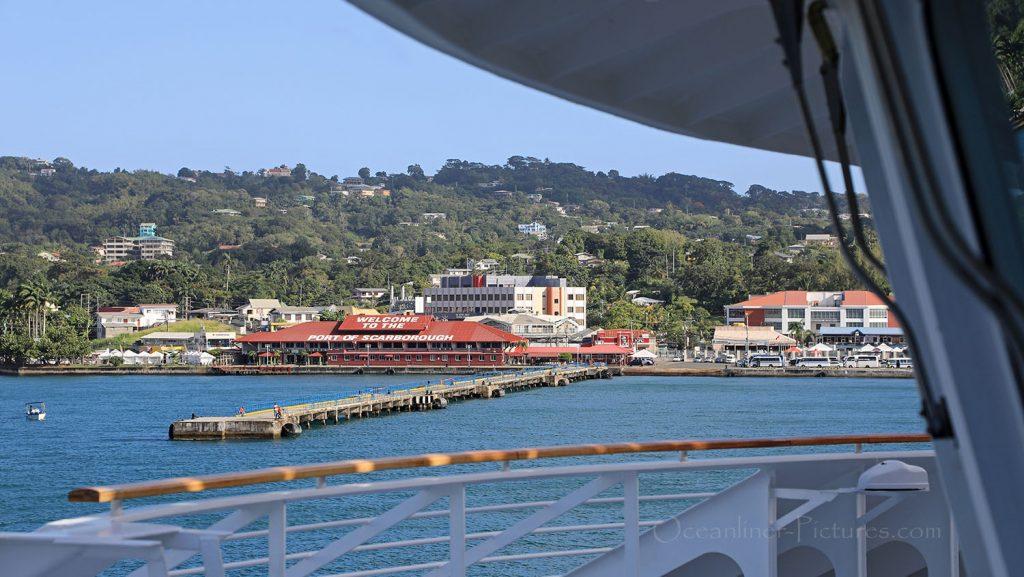 MS Hamburg Einlaufen Scarborough, Tobago. / Foto: Oliver Asmussen/oceanliner-pictures.com