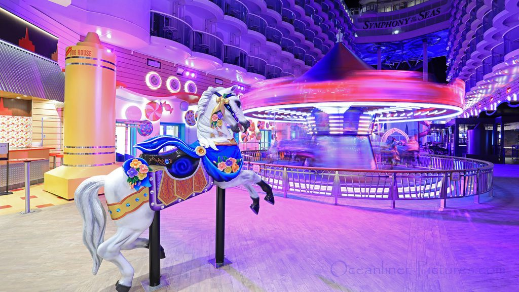 Carousel Boardwalk Symphony of the Seas. / Foto: Oliver Asmussen/oceanliner-pictures.com