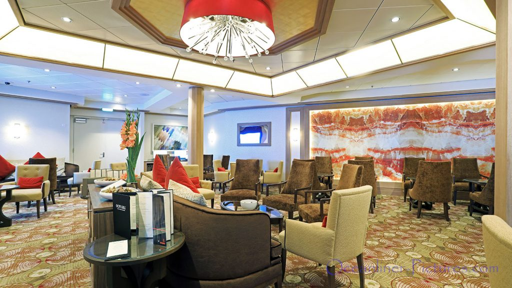 Diamond Club Lounge Symphony of the Seas. / Foto: Oliver Asmussen/oceanliner-pictures.com