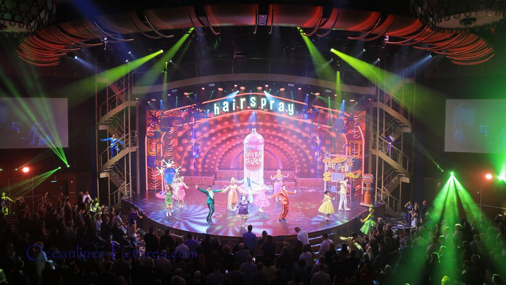 Hairspray Musical an Bord der Symphony of the Seas. / Foto: Oliver Asmussen/oceanliner-pictures.com