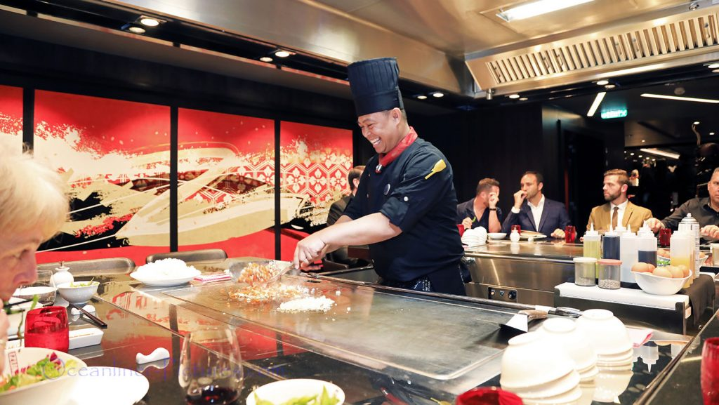 Izumi Restaurant Symphony of the Seas. / Foto: Oliver Asmussen/oceanliner-pictures.com