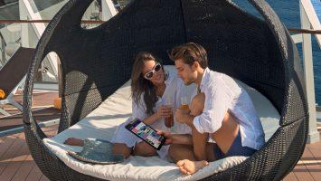 Mit dem persönlichen Assistenten an Bord. Foto: MSC Kreuzfahrten