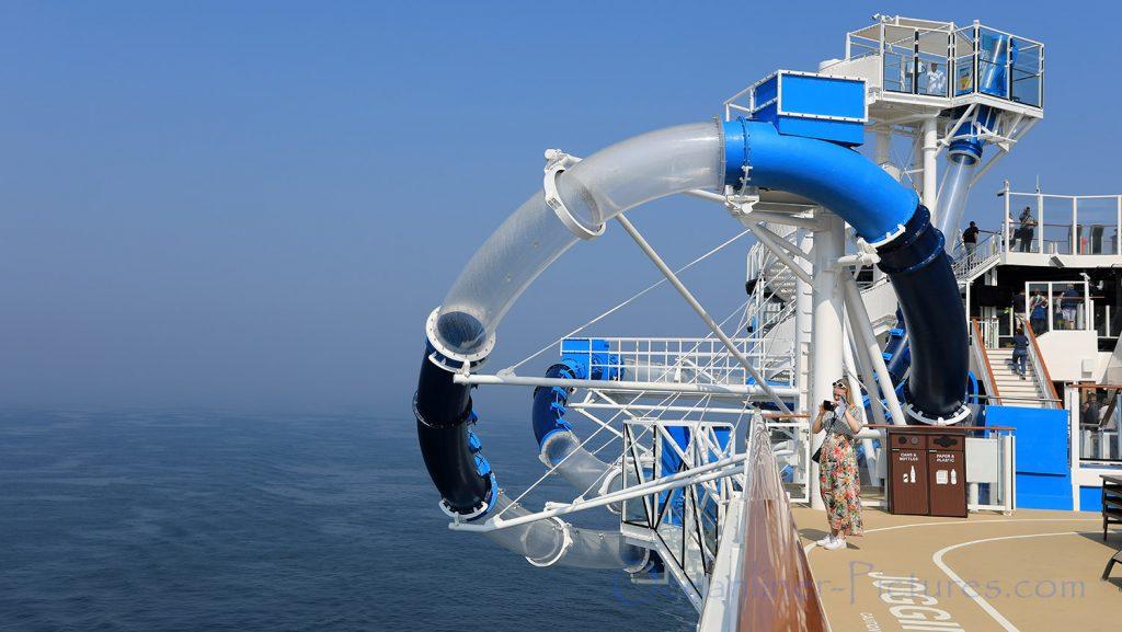Ocean Loops Wasserrutsche Norwegian Bliss. / Foto: Oliver Asmussen/oceanliner-pictures.com