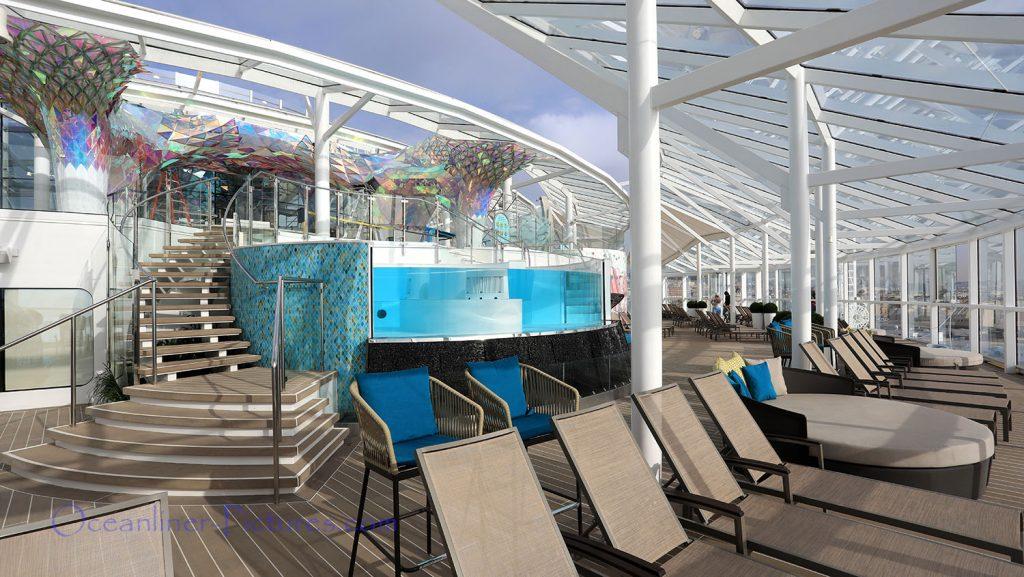 Solarium, Infinity Pool und The Big Wonder Kunstwerk Symphony of the Seas. / Foto: Oliver Asmussen/oceanliner-pictures.com