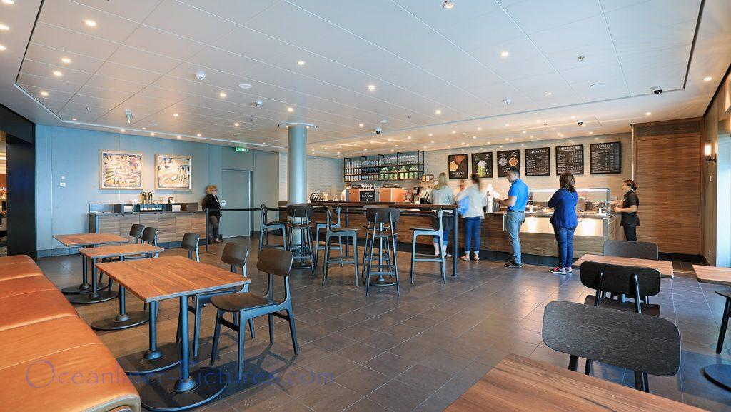 Starbucks Cafe Norwegian Bliss. / Foto: Oliver Asmussen/oceanliner-pictures.com