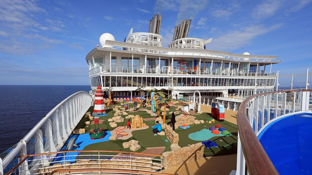 Symphony of the Seas Mini Golf. / Foto: Oliver Asmussen/oceanliner-pictures.com