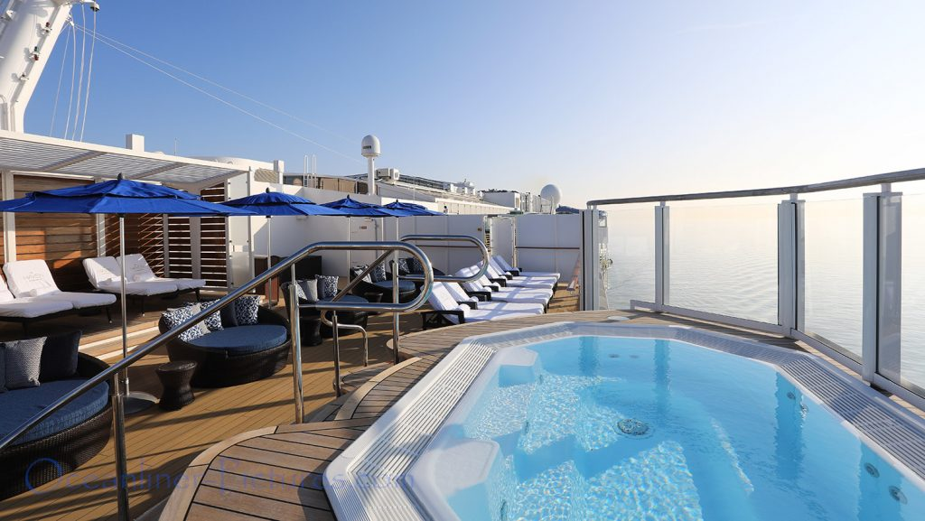 The Haven Courtyard Sonnendeck mit Whirlpool Norwegian Bliss. / Foto: Oliver Asmussen/oceanliner-pictures.com