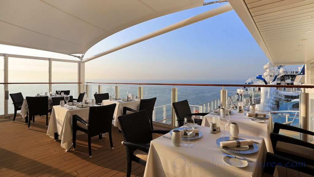The Haven Restaurant Aussenbereich Norwegian Bliss. / Foto: Oliver Asmussen/oceanliner-pictures.com