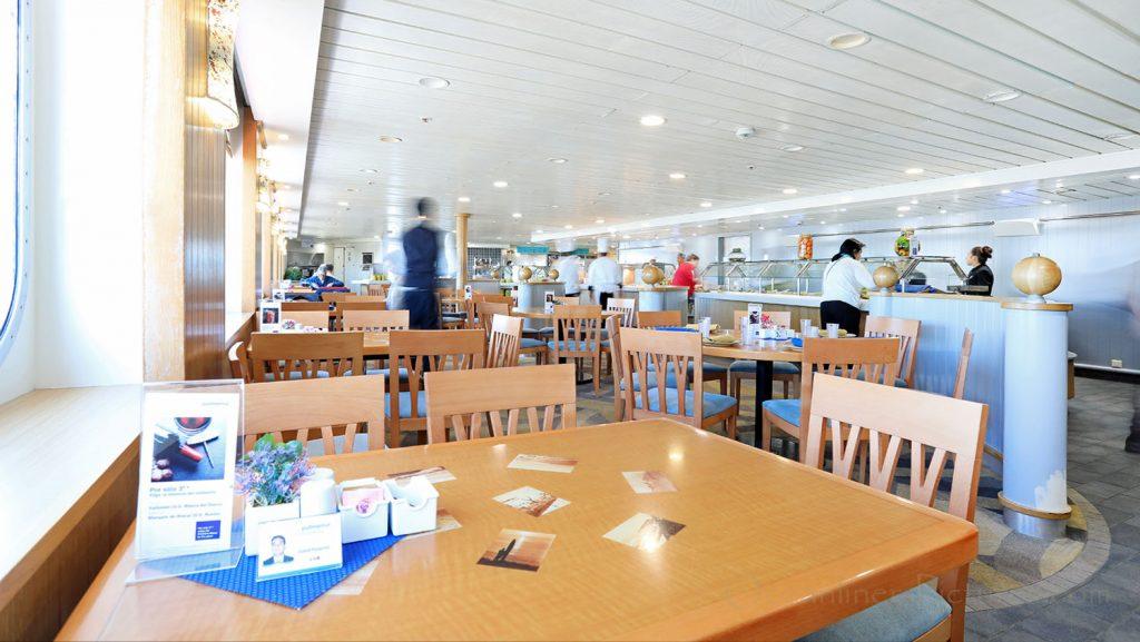 Buffet Restaurant Delicias MS Zenith. / Foto: Oliver Asmussen/oceanliner-pictures.com