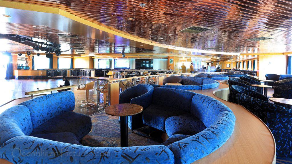 Discoteca luz de Luna MS Zenith. / Foto: Oliver Asmussen/oceanliner-pictures.com