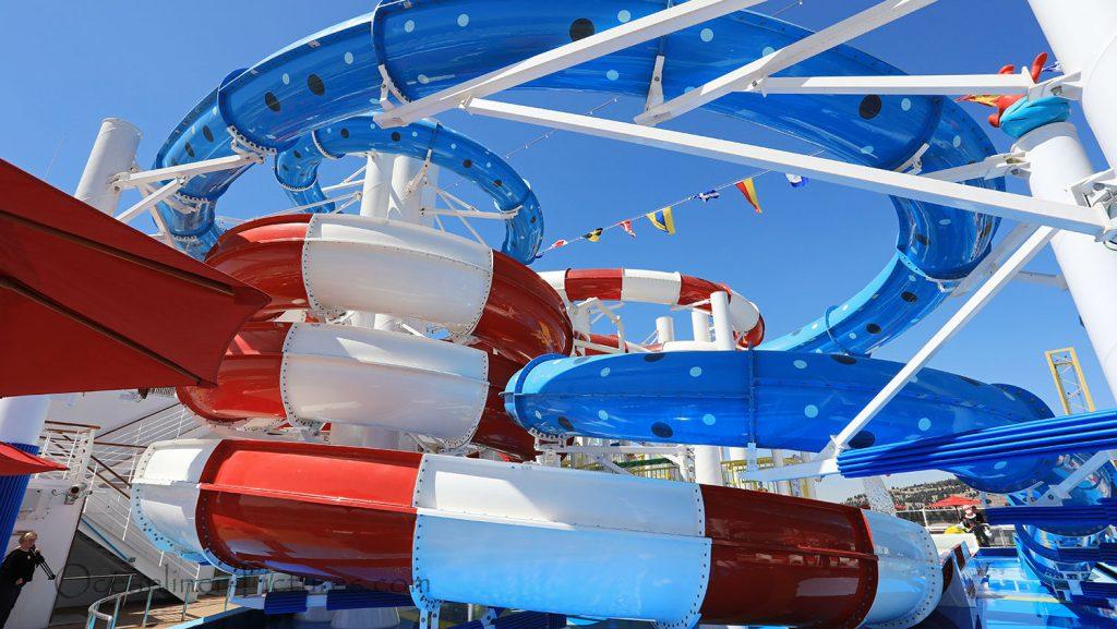 Dr. Seuss Waterworks Wasserrutschen an Bord der Carnival Horizon. / Foto: Oliver Asmussen/oceanliner-pictures.com