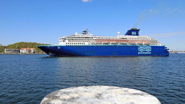 MS Zenith beim Erstanlauf in Kiel am 04.05.2018. / Foto: Oliver Asmussen/oceanliner-pictures.com