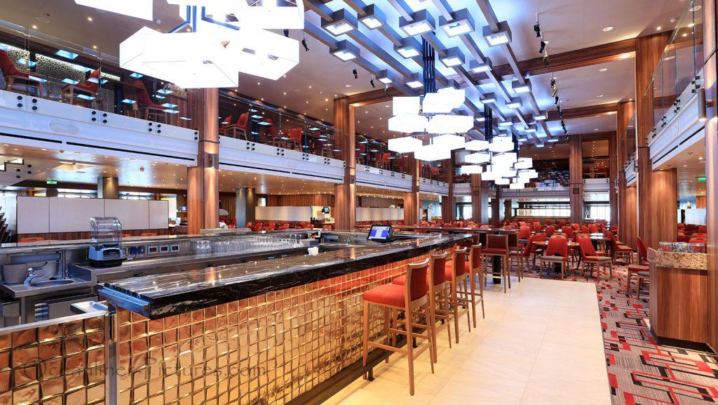 Main Dining Room Carnival Horizon mit Bar. / Foto: Oliver Asmussen/oceanliner-pictures.com