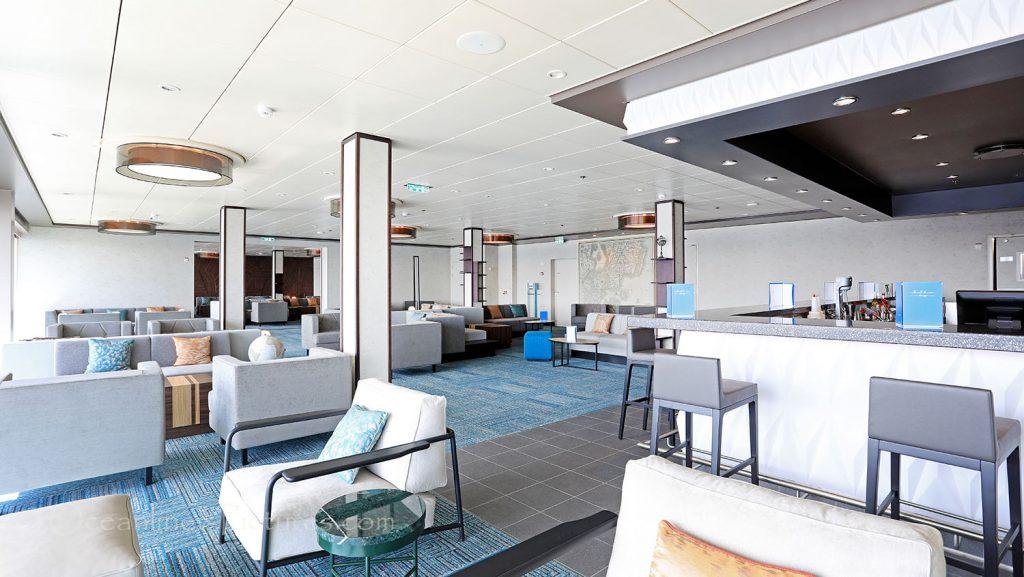 Mein Schiff 1 Himmel und Meer Lounge. / Foto: Oliver Asmussen/oceanliner-pictures.com