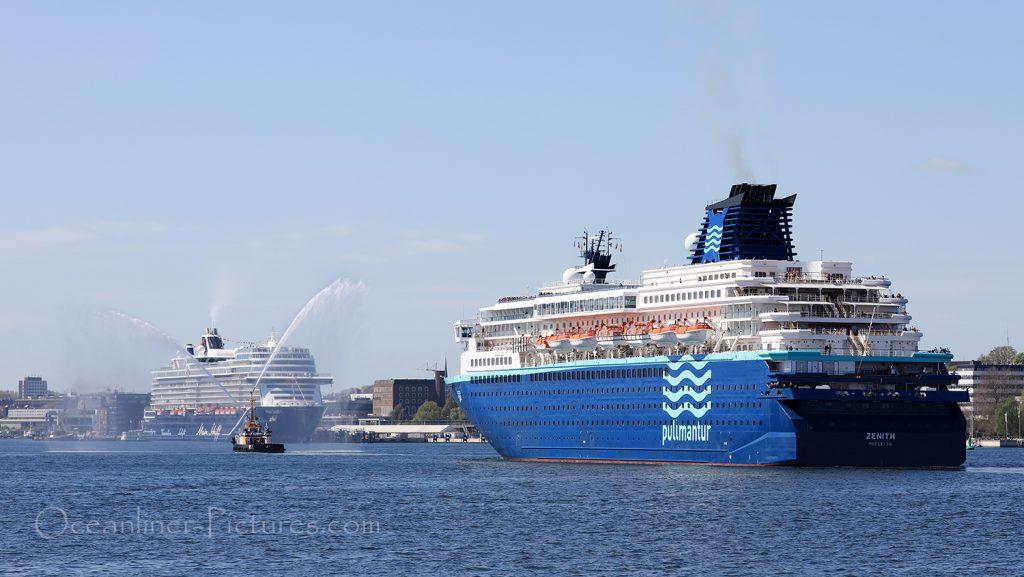 Mein Schiff 1 und Zenith in Kiel 04.05.2018. / Foto: Oliver Asmussen/oceanliner-pictures.com