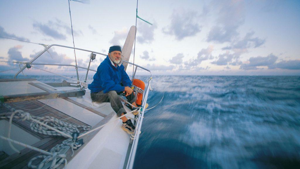 Seglerikone Wilfried Erdmann, dem als erstem Deutschen die Einhand-Weltumseglung gelang, wird im Rahmen des Symposiums von seinen Abenteuern berichten. Foto: Hapag-Lloyd Cruises