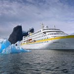 Die MS Hamburg steuert die Antarktis an. Foto: Plantours Kreuzfahrten