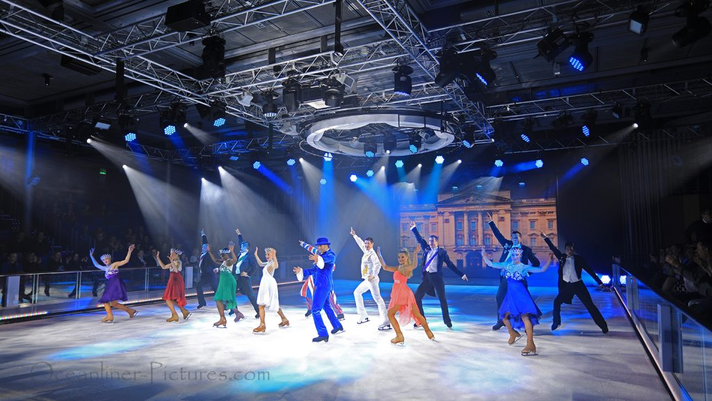 1977 Ice Show Symphony of the Seas. / Foto: Oliver Asmussen/oceanliner-pictures.com