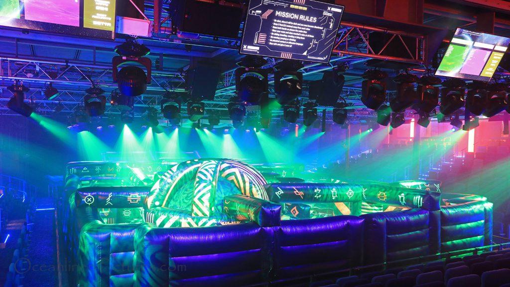 Laser Tag Battle im Studio B der Symphony of the Seas. / Foto: Oliver Asmussen/oceanliner-pictures.com