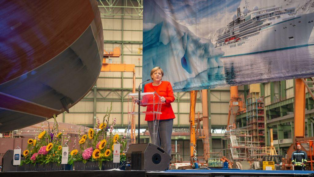 Angela Merkel während ihrer Rede auf der Werft. Foto: MV-Werften