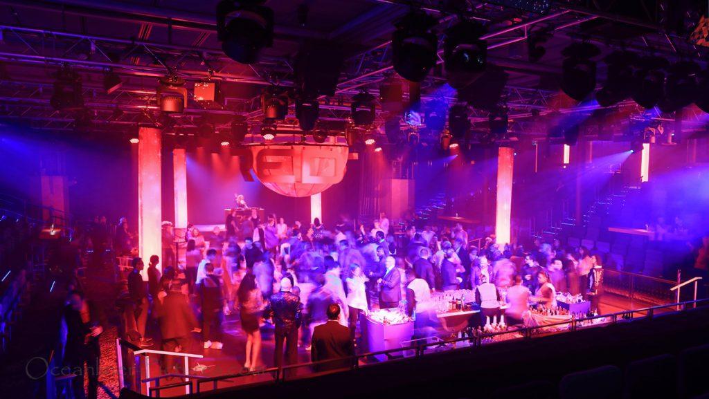 Red Nightclub Studio B Symphony of the Seas. / Foto: Oliver Asmussen/oceanliner-pictures.com