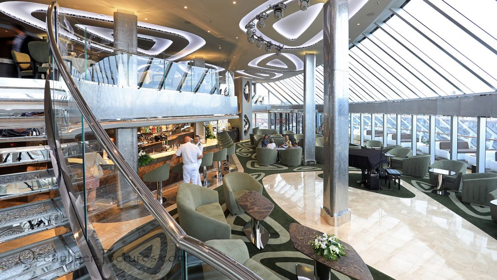 Top Sail Lounge MSC Seaview Yacht Club. / Foto: Oliver Asmussen/oceanliner-pictures.com