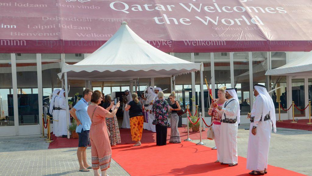 Kreuzfahrer werden in Katar begrüßt. Foto: QTA
