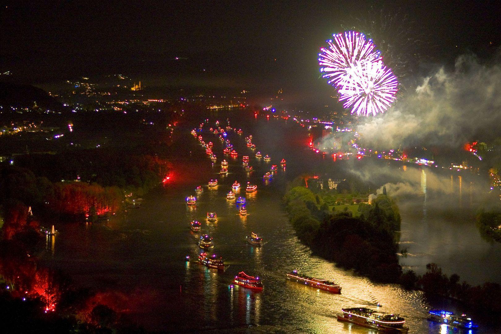 Quot Rhein In Flammen Quot Auf Dem Schiff Erleben Cruisestart De