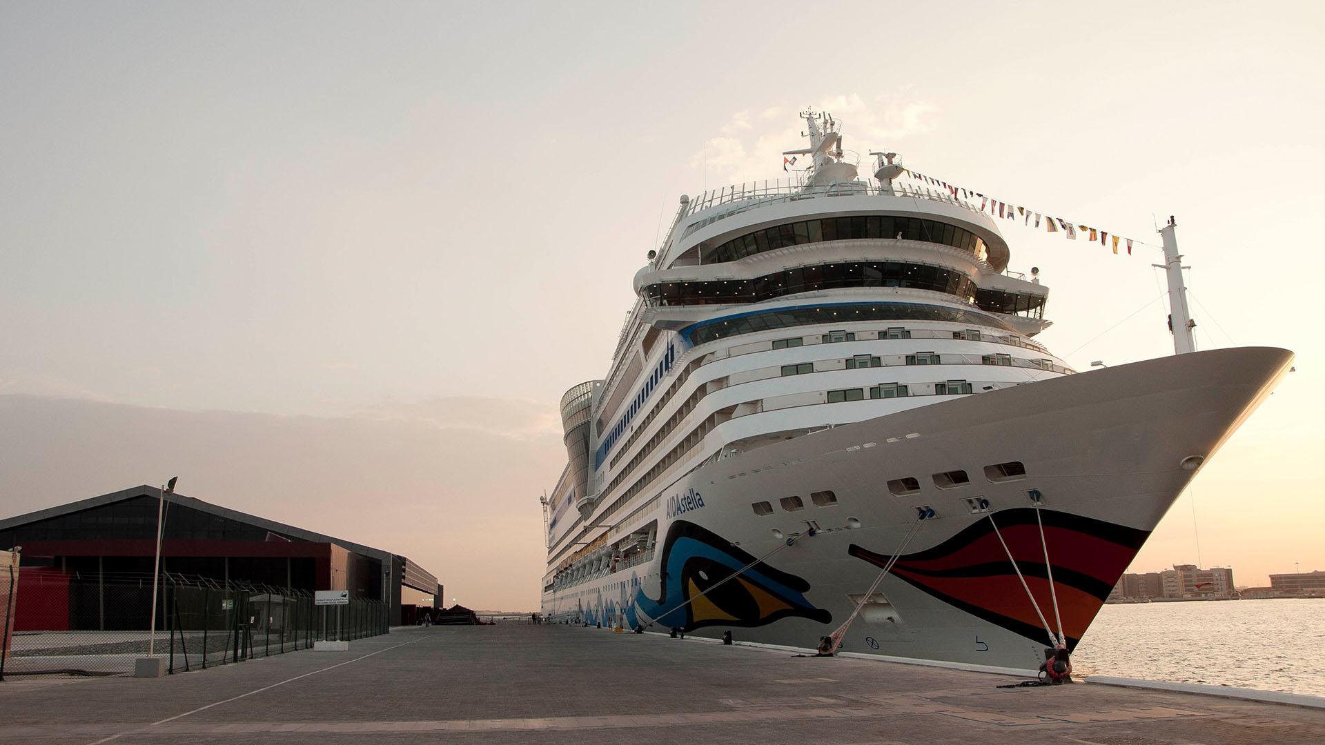 Die AIDAstella in Abu Dhabi. Foto: AIDA Cruises