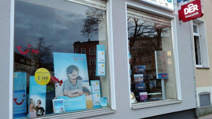 Im Reisebüro hat der Kunde einen festen Ansprechpartner. Foto: lenthe/touristik-foto.de