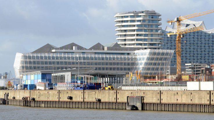 Vom ehemaligen Terminal 2 steht nur noch das Stahlgerüst. Foto: lenthe/touristik-foto.de