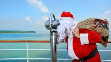 Weihnachten mit AIDA, der Weihnachtsmann wartet schon an Bord der Kussmundflotte. Foto: AIDA Cruises