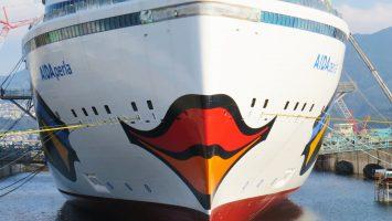 Die AIDAperla erhielt jetzt ihren Kussmund. Foto: AIDA Cruises