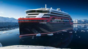 Der Baustart ist mit dem Stahlschnitt erfolgt. 2018 wird die MS Roald Amundsen zur ersten Expedition starten. Foto: Hurtigruten
